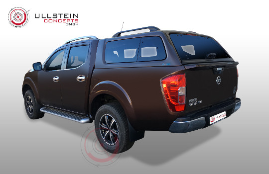 Green-Top Nissan Navara NP300