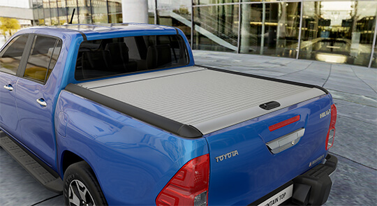 Toyota Hilux tonneau cover Mountain-Top Roll